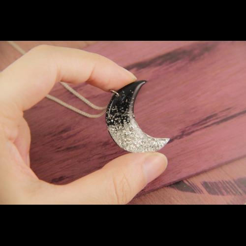 月亮 純銀項鍊 黑膠唱片 銀箔 Crescent Moon // Silver Desert