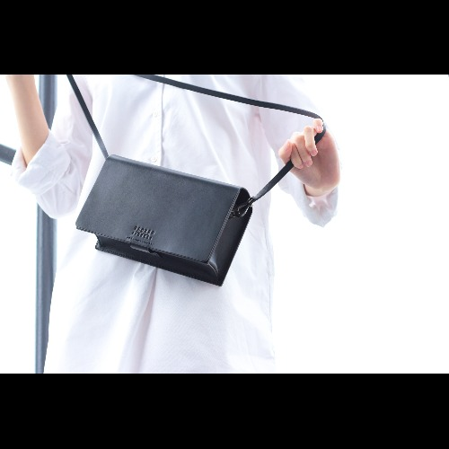 Girlfriend Boxy Bag in Black
