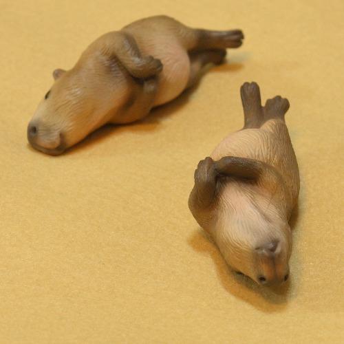 慵懶的小水豚 筷架/筆架/療癒小物