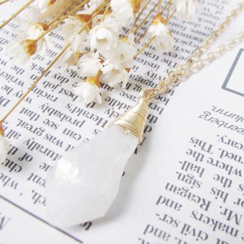 鍍彩白水晶水滴項鏈
