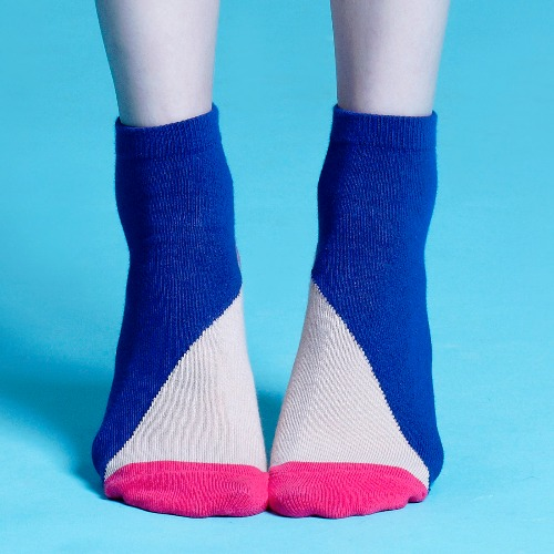棉襪-女生襪子-簡約襪子-藍色粉紅短襪