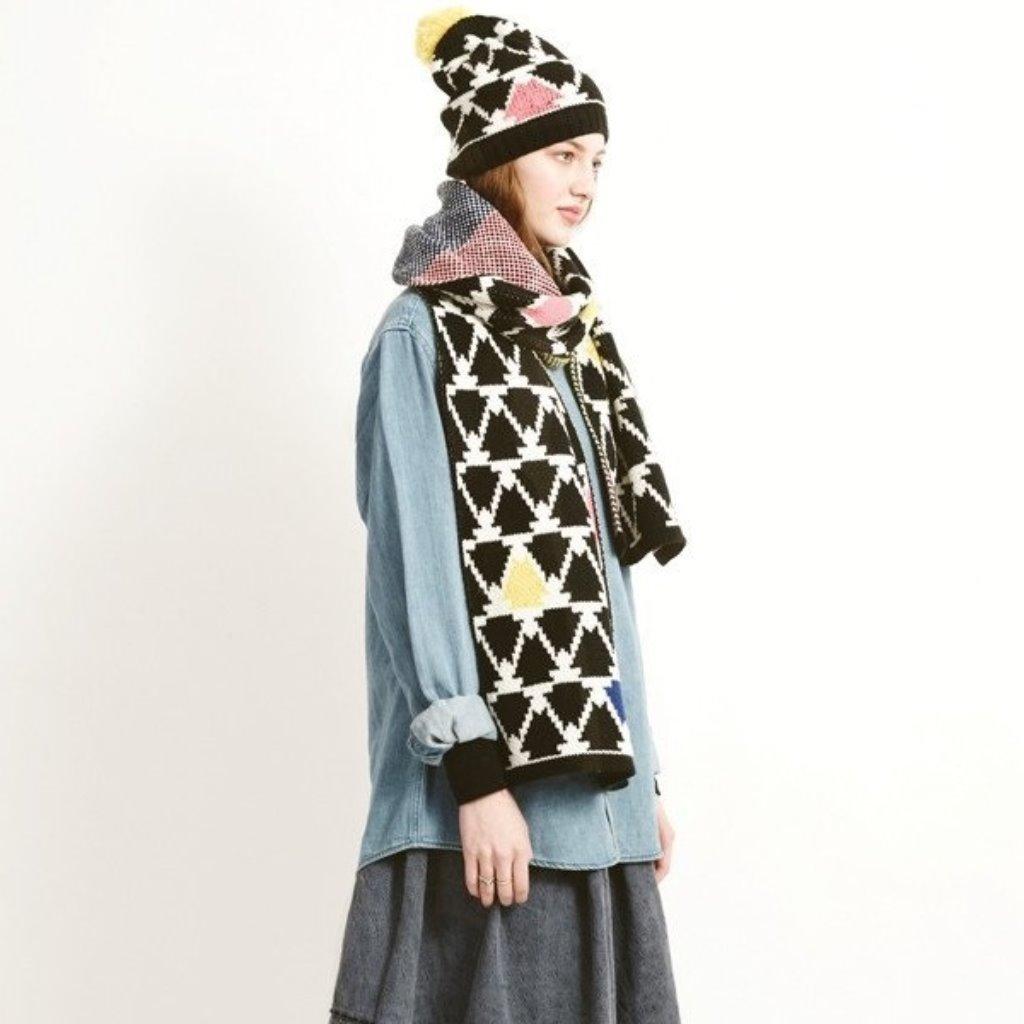 英國Miss PomPom/雙面三角圖形長圍巾