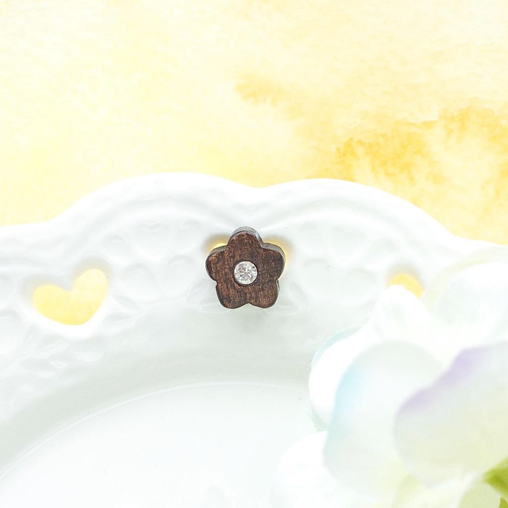 白色小花 原木手工耳環 純銀耳針 單隻 禮物訂製