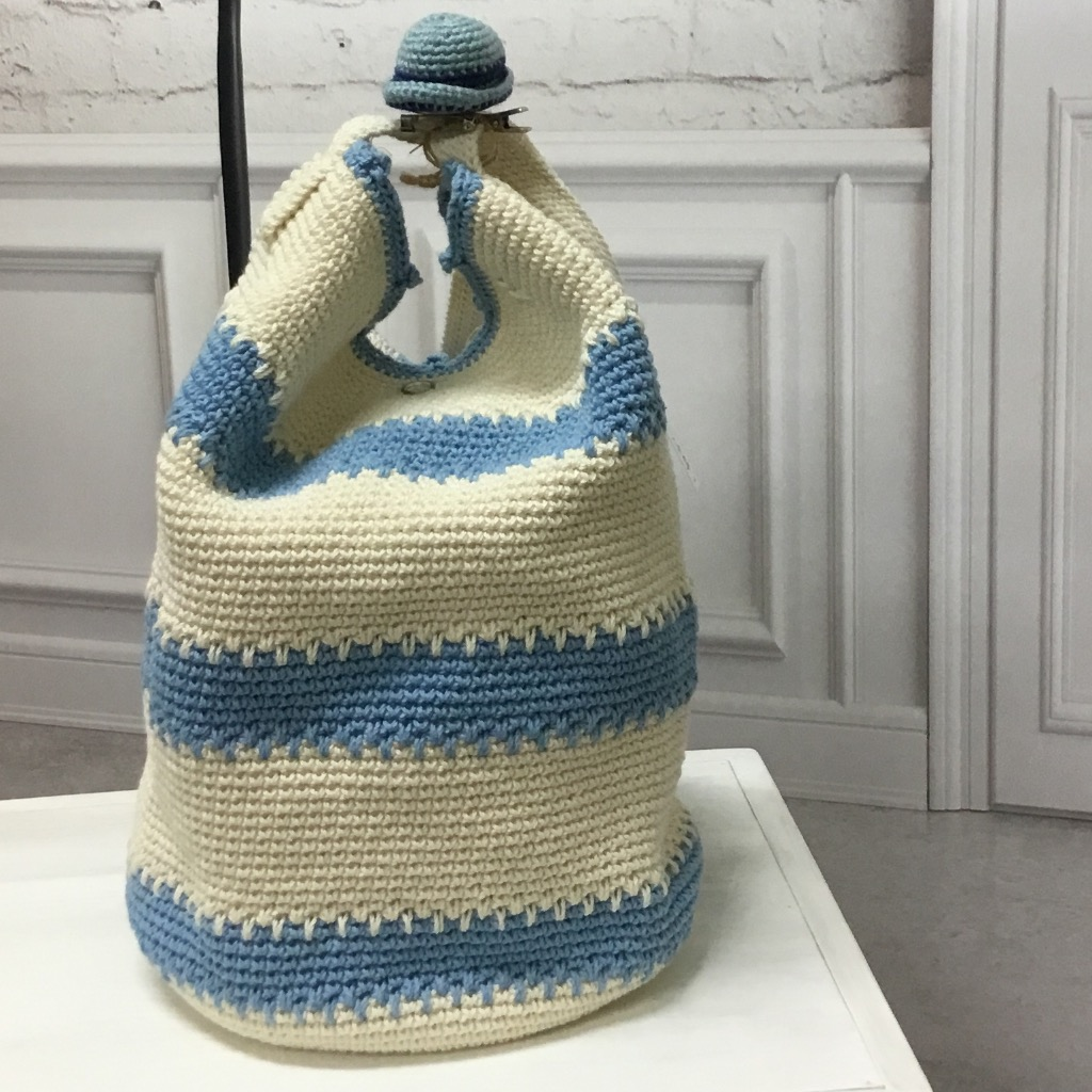 【娃娃魚】**藍白棉線編織圓筒包