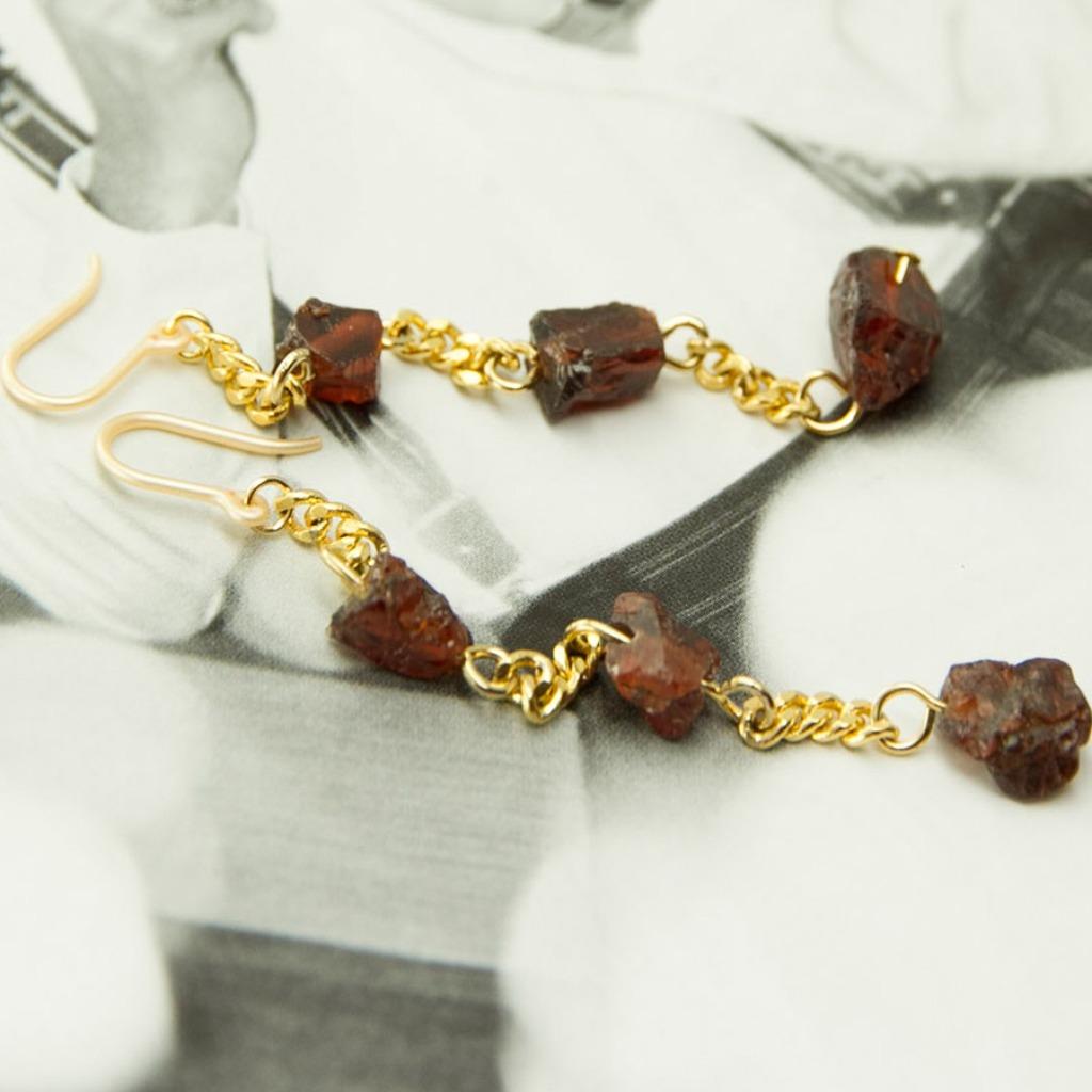 絕色系列-紅石榴石與黃銅工藝矽膠耳勾