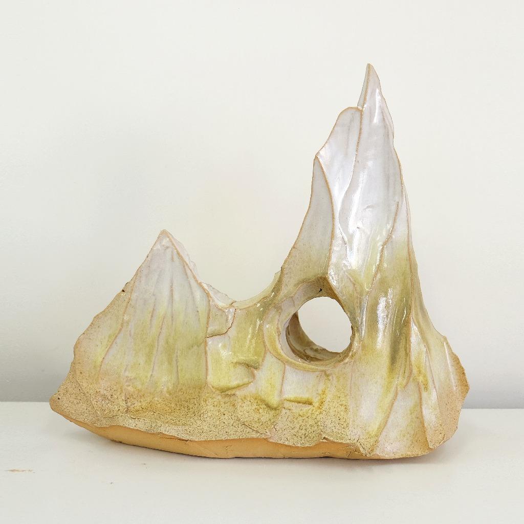 「山」雕塑 三