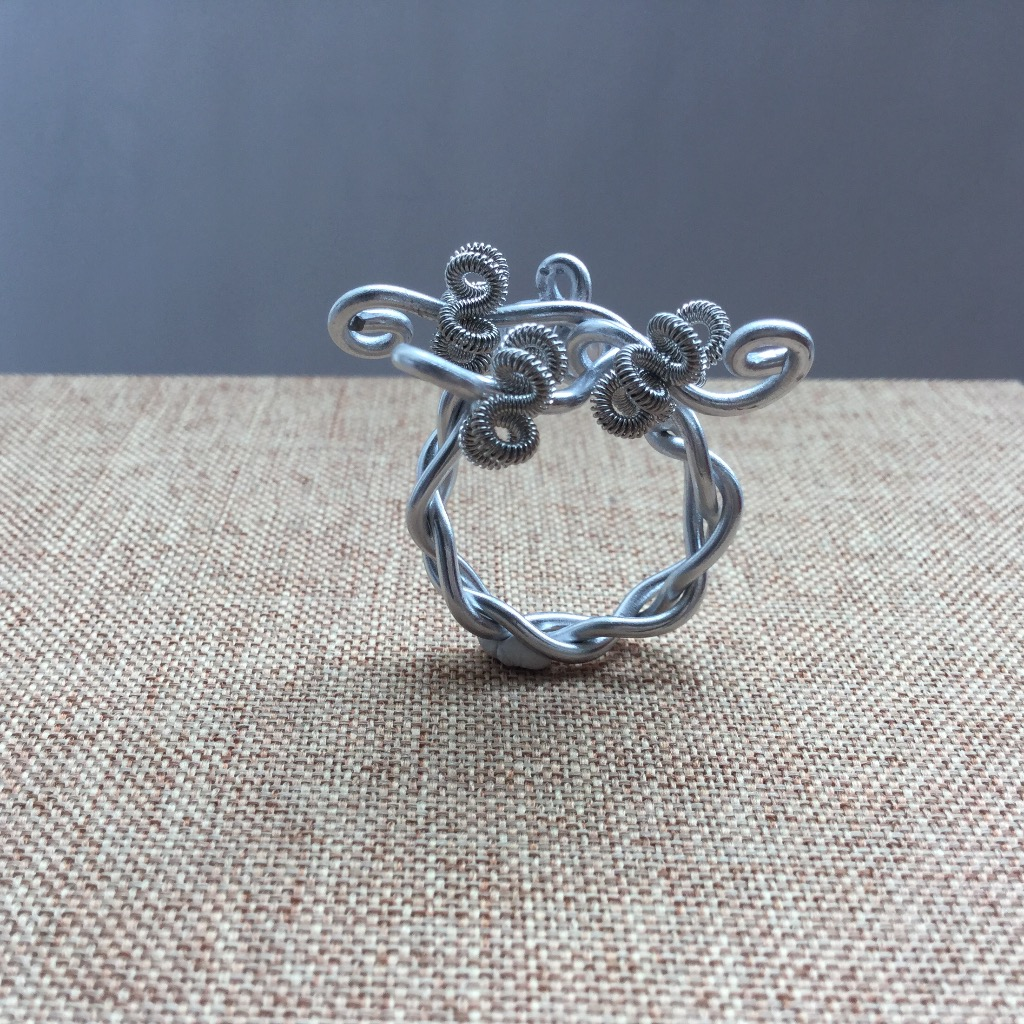 [W Bracciale] 捲捲指環:三朵小花