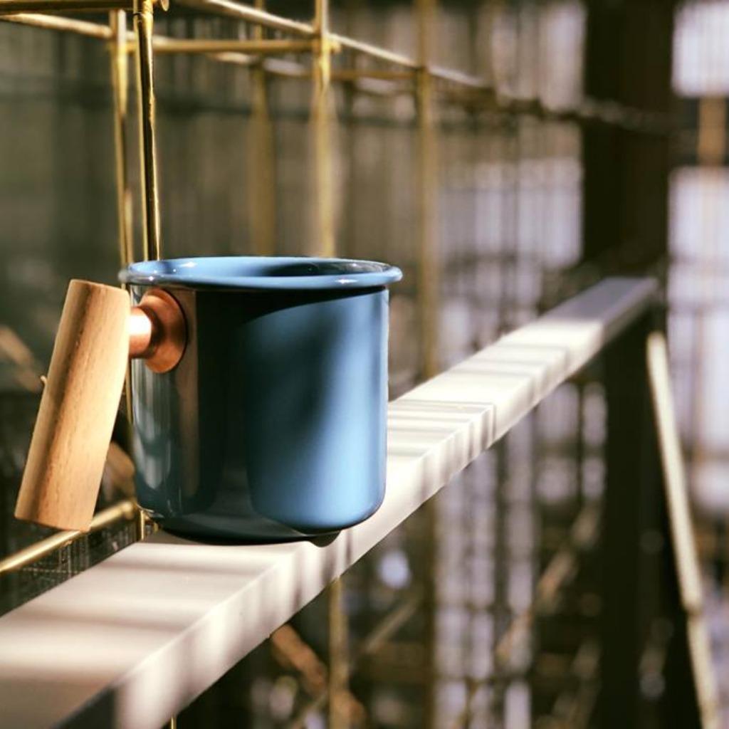 Truvii 手工木柄琺瑯杯 (波斯藍 - 400ml)