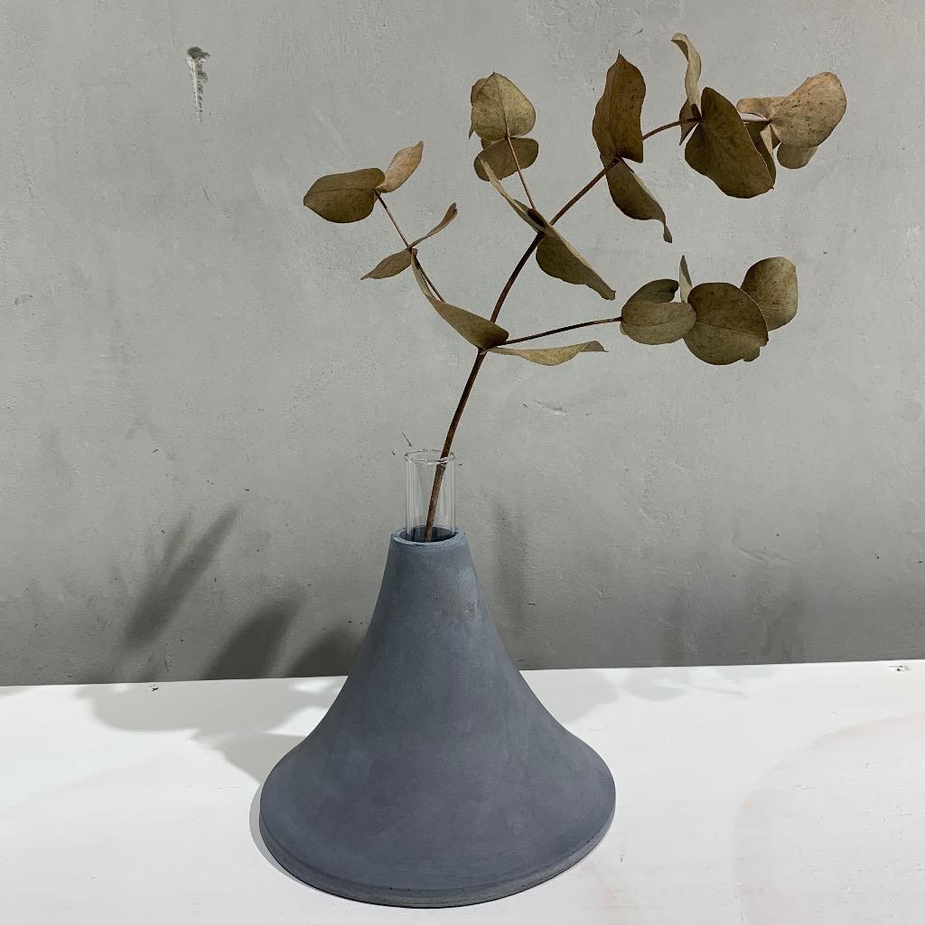 水泥花瓶   大型   高   深灰