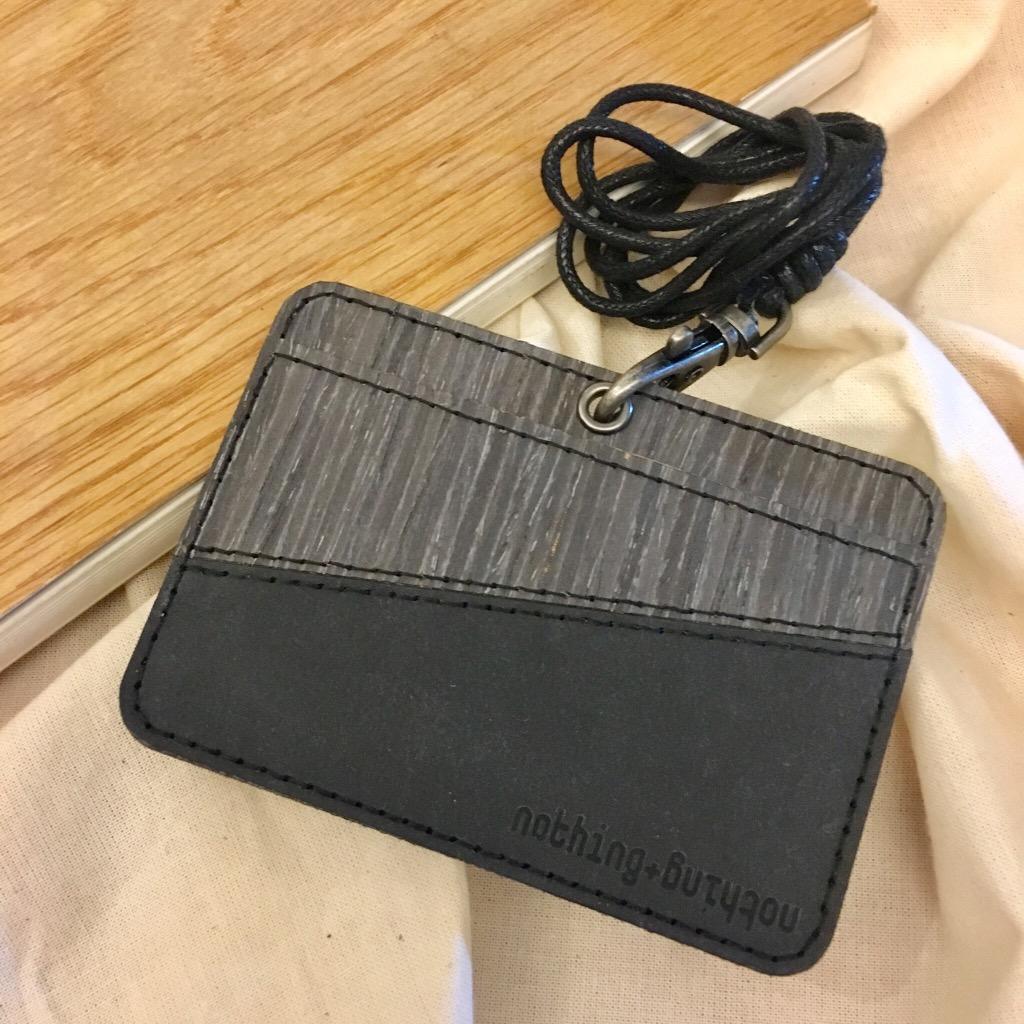 木製配洗水牛皮紙證件套(橫向)