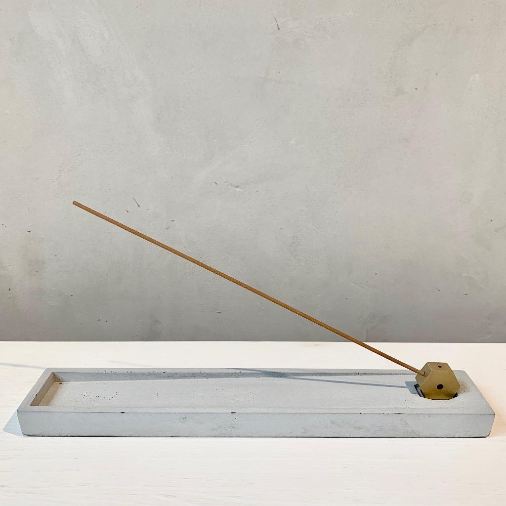 水泥x黃銅 線香座 | 長條方形 | 灰