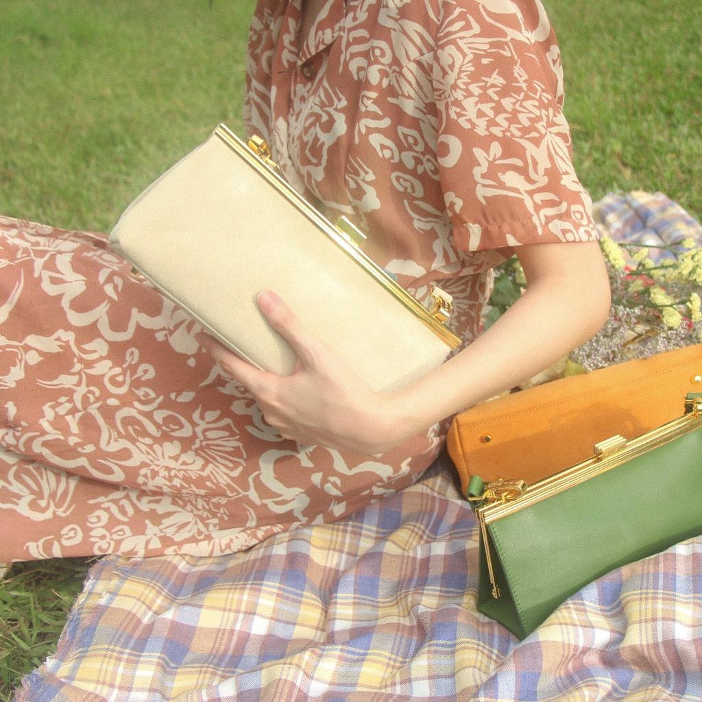 1950經典相框口金手袋 - 米白