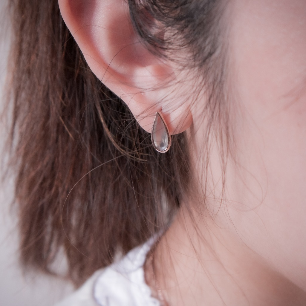 [433 Studio] 925 silver 包邊大水滴灰月光石耳環