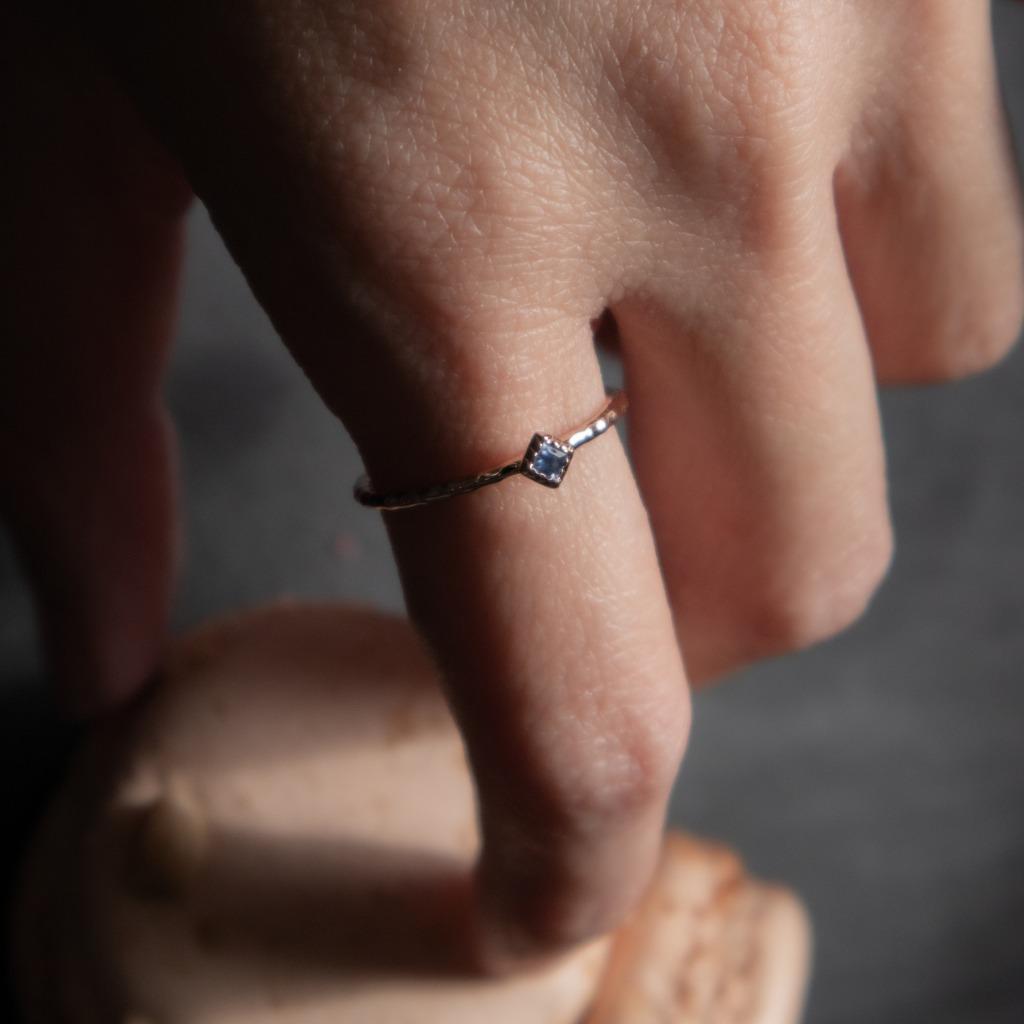 [433 Studio] 925 silver包邊小菱形藍寶石戒指
