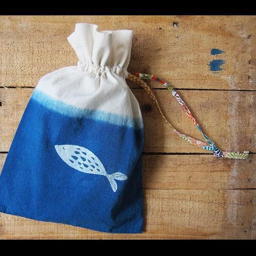 撈金魚-束口袋/植物染