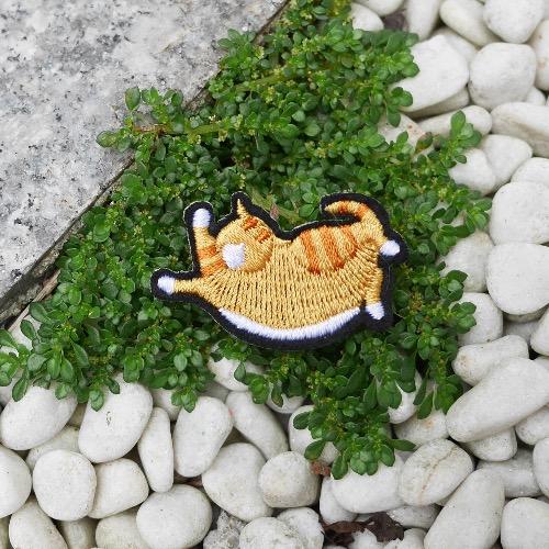 黃色虎紋萌貓 刺繡 胸針 襟針